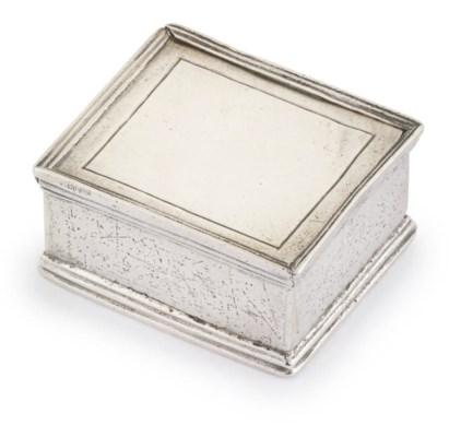 A GERMAN SILVER SNUFF BOX