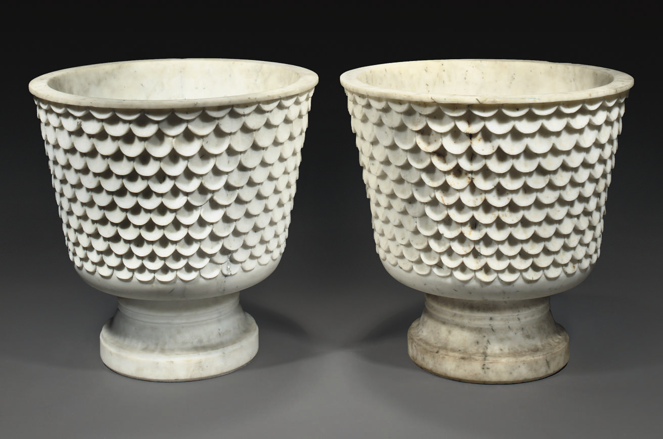 A PAIR OF MARBLE FOOTED JARDIN