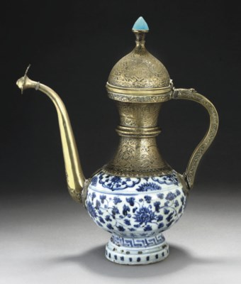 A MING POTTERY EWER WITH SAFAV