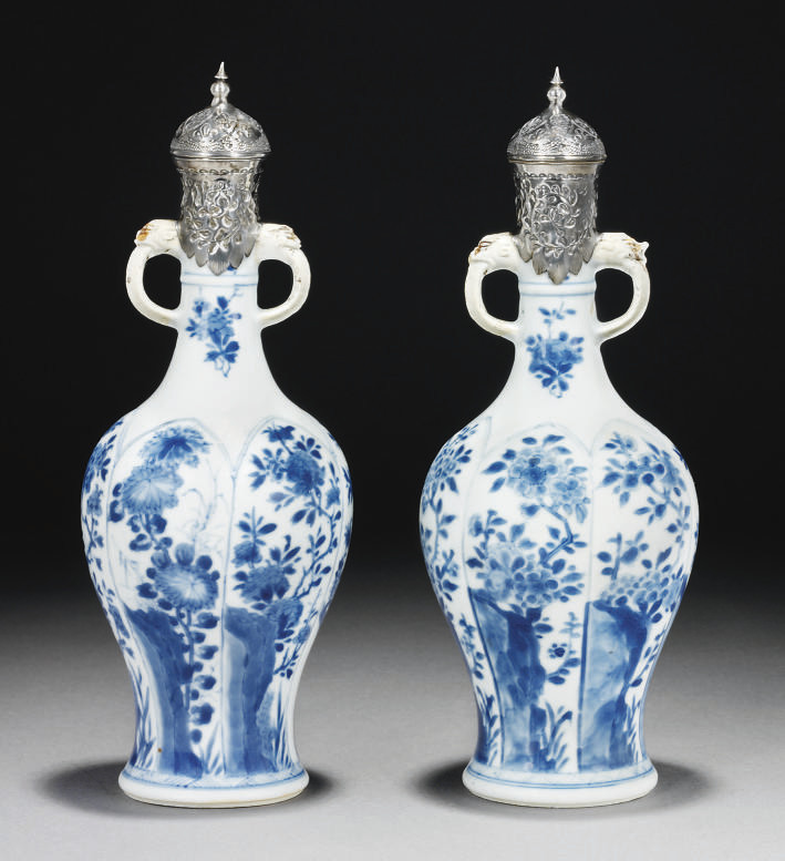 A PAIR OF KANGXI (1661-1722) I