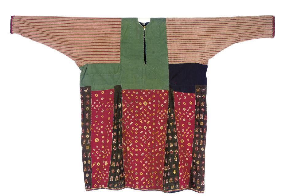 A COTTON AND SILK DRESS, YAZD,