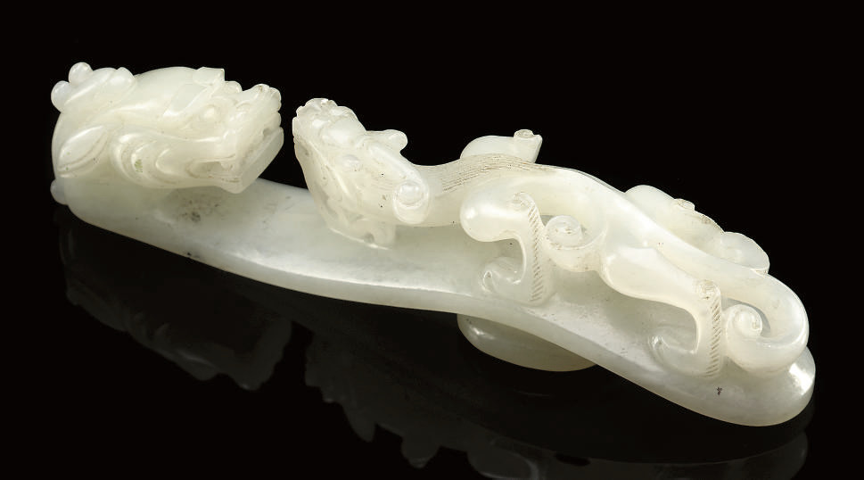 A WHITE JADE DRAGON BELT HOOK