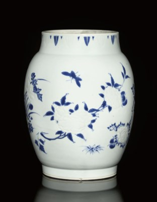 A BLUE AND WHITE MOULDED JAR,