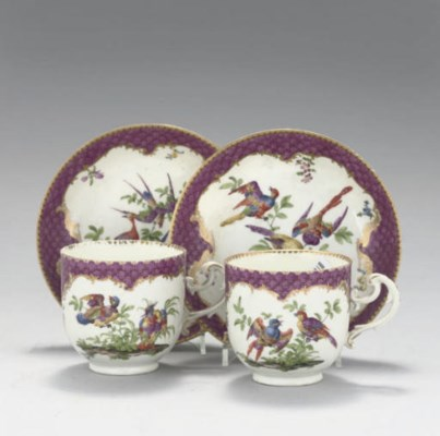 A PAIR OF MEISSEN COFFEE CUPS