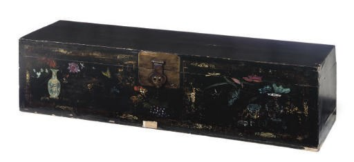 A CHINESE LACQUER TRUNK