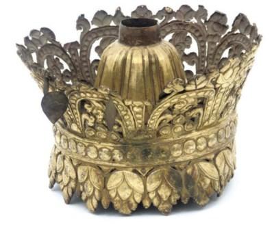 A Tibetan gilt copper crown