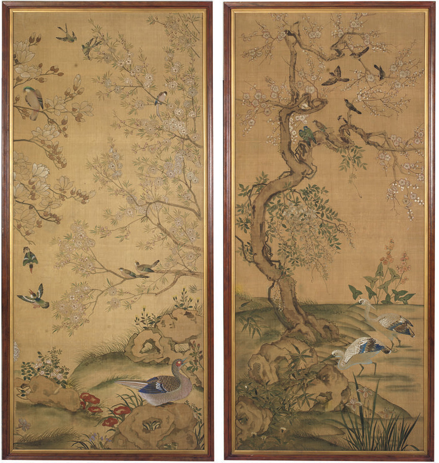 A PAIR OF CHINESE PAINTED SILK
