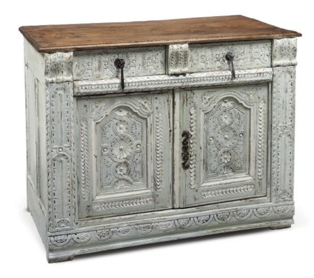 A FRENCH WHITE PAINTED CARVED