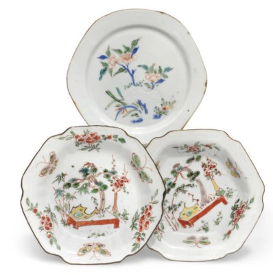 A Pair of chinese Wucai hexago