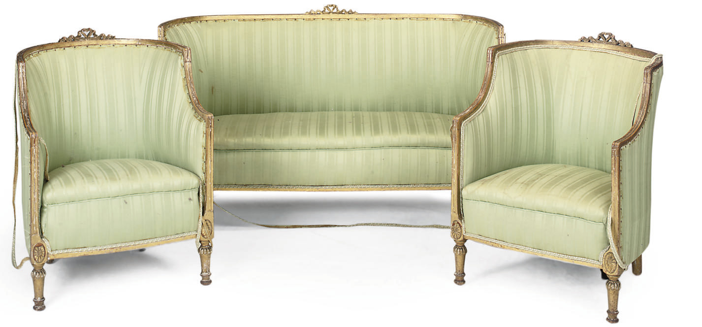 A GILTWOOD BERGERE SUITE