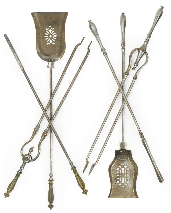 A SET OF VICTORIAN STEEL FIRE-