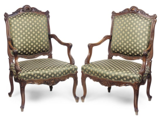 A PAIR OF FRENCH WALNUT FAUTEU