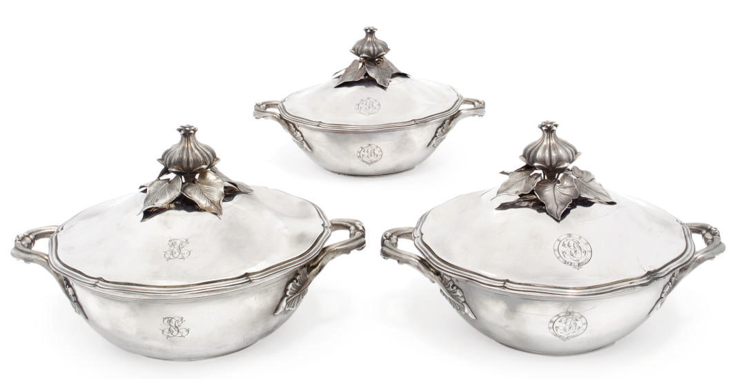 A SET OF THREE FRENCH SILVER V