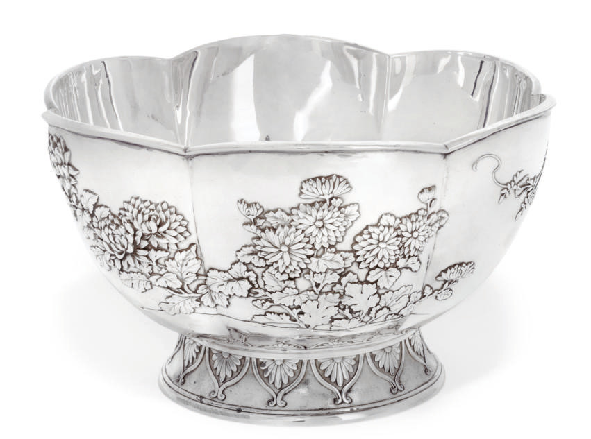 A JAPANESE SILVER ROSE BOWL