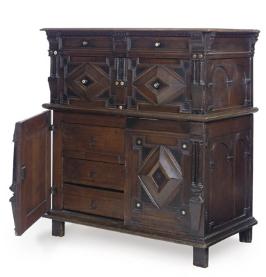 AN ENGLISH OAK ENCLOSED CHEST