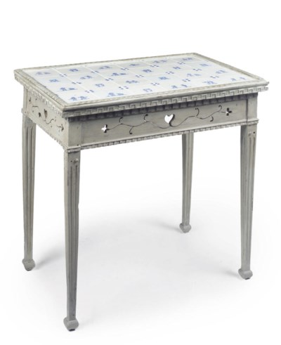 A GUSTAVIAN PAINTED CENTRE TAB