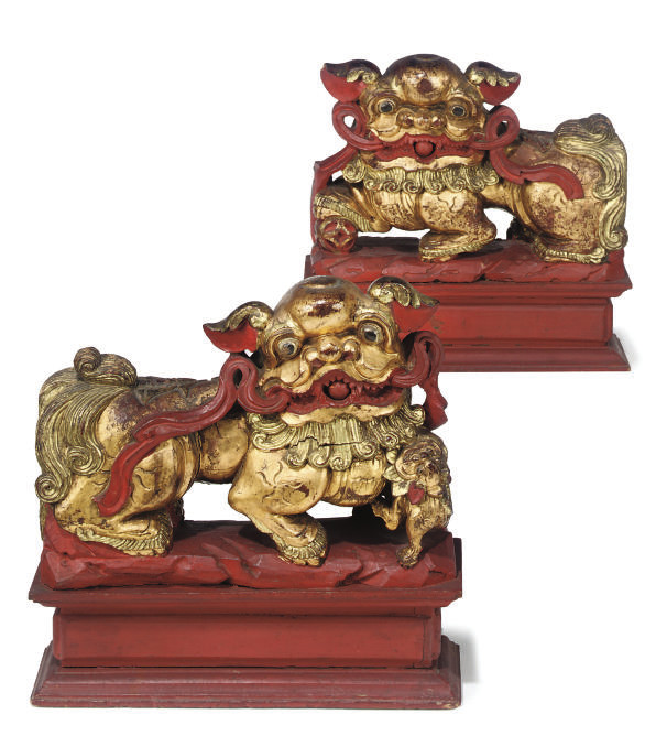 A PAIR OF CHINESE RED PAINTED