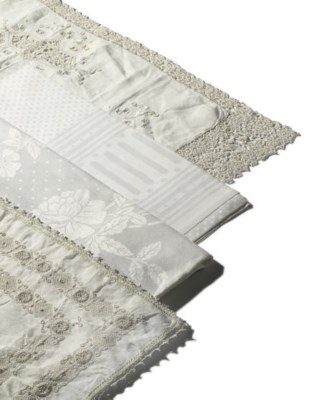 A LARGE COLLECTION OF LINEN