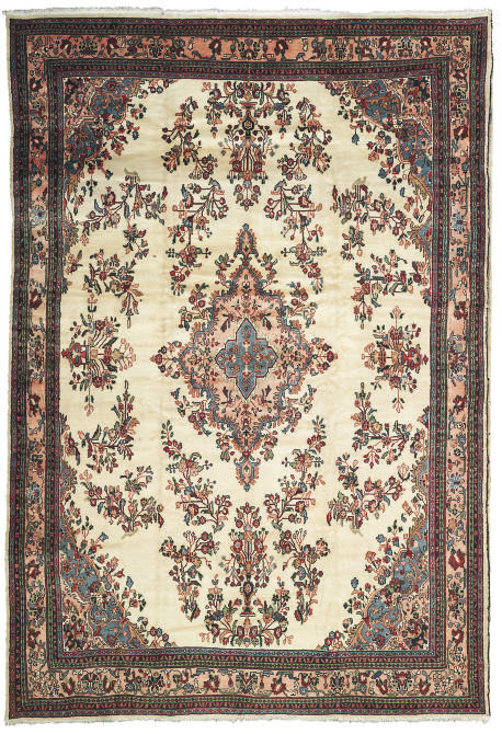 A fine Lilihan carpet