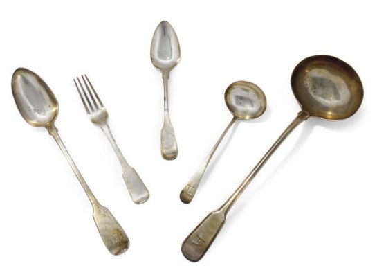 A GROUP OF ANTIQUE SILVER FLAT
