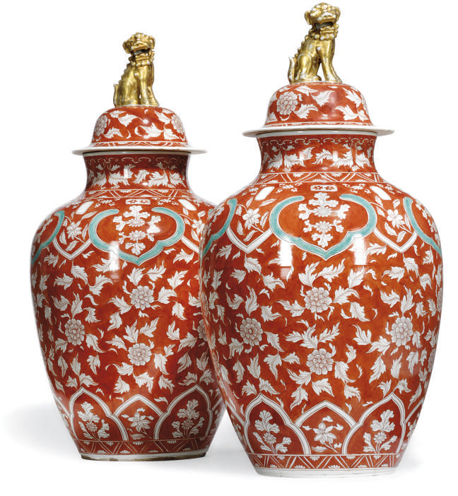 A PAIR OF CHINESE-STYLE JARS A