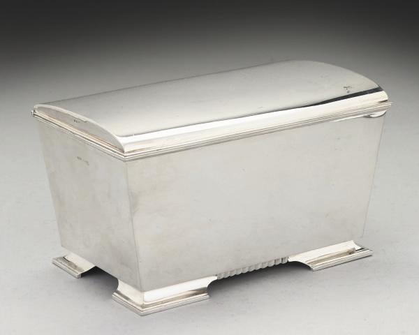 A MODERN SILVER CASKET