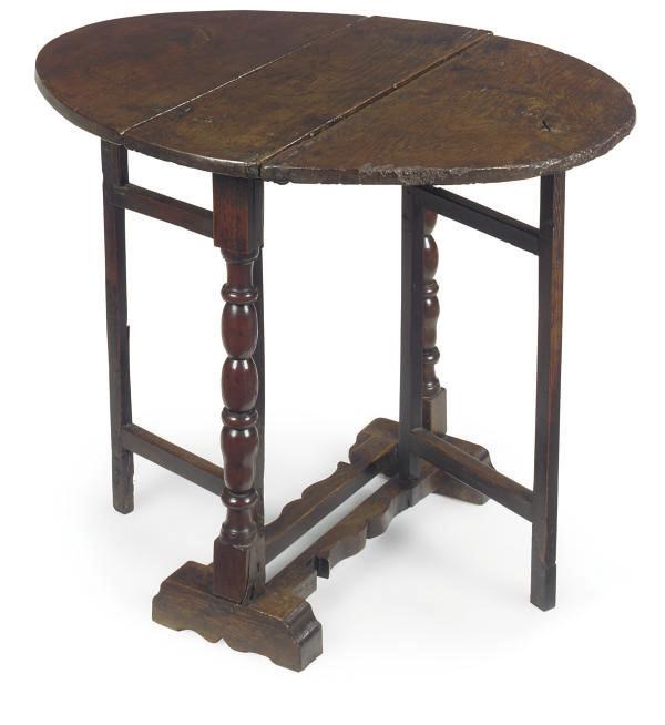 AN ENGLISH OAK GATE-LEG TABLE