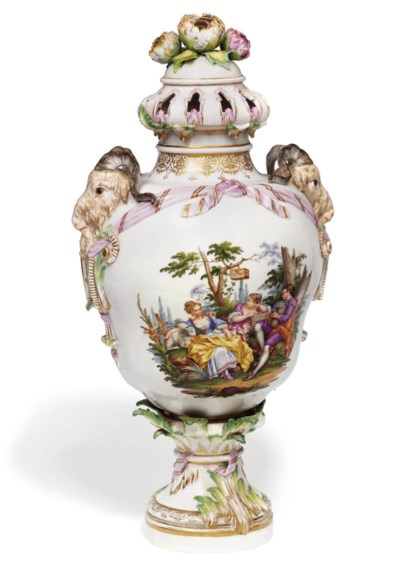 A LARGE BERLIN PORCELAIN OGEE-