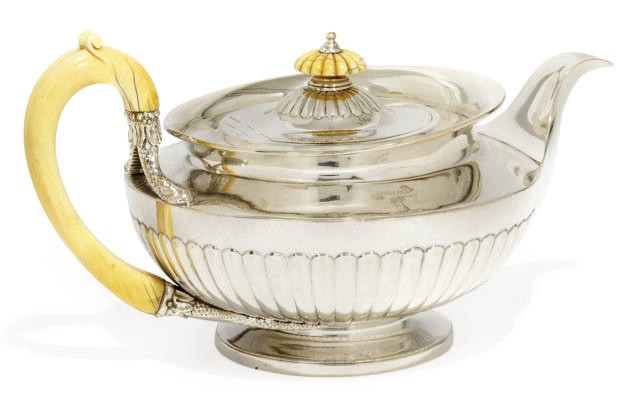 A WILLIAM IV SILVER TEAPOT