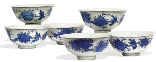 SIX CHINESE BLUE AND WHITE BOW