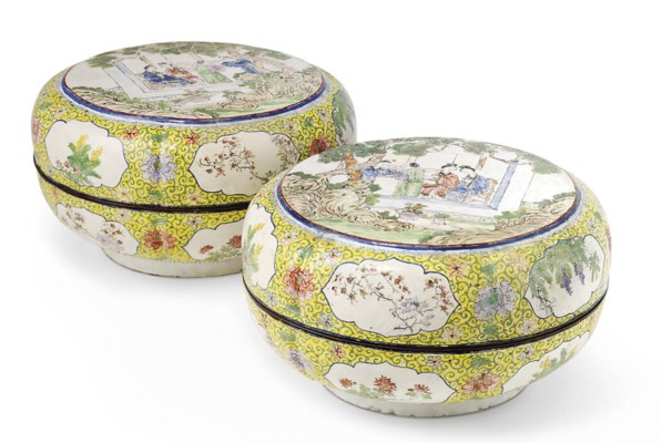 A PAIR OF CANTON ENAMEL BOXES