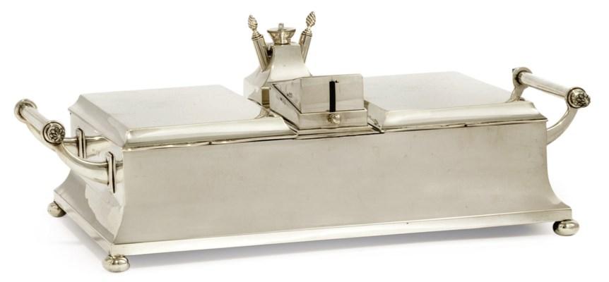 AN ART DECO SILVER CIGAR BOX I