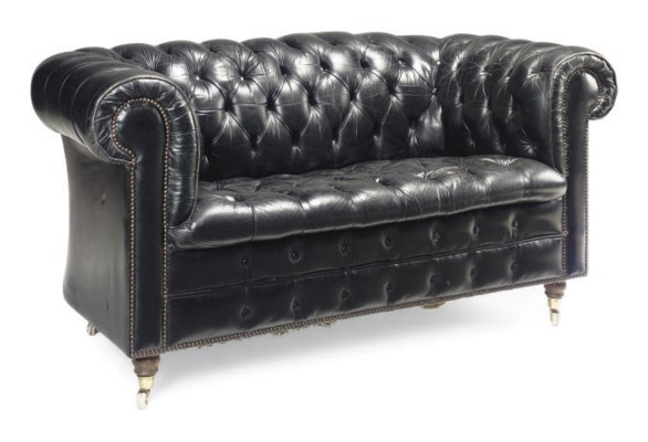 A LEATHER UPHOLSTERED CHESTERF
