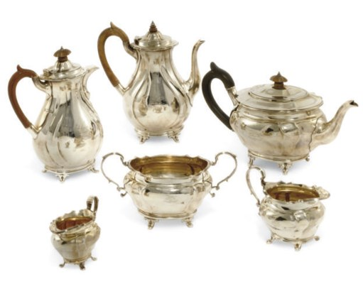 A LATE VICTORIAN SIX-PIECE SIL