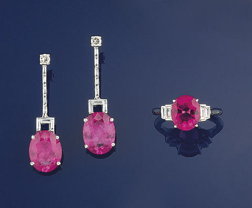 A pair of diamond and pink tou