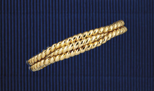 A LADY'S BRACELET WATCH, BY BOUCHERON
