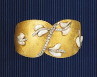 A pearl and diamond cuff bangle, by Antoniazzi Chiappe