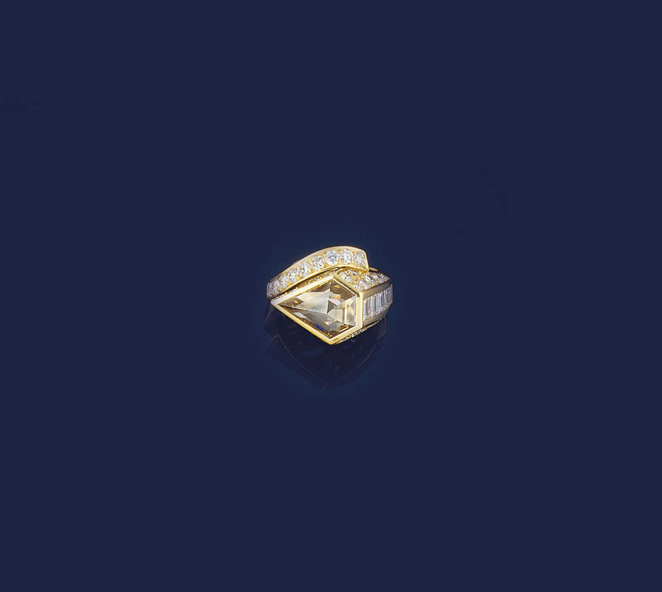 A diamond and coloured diamond ring, by Perrin