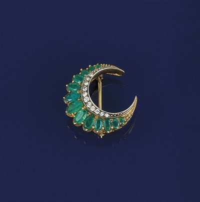 A LATE 19TH CENTURY EMERALD AN