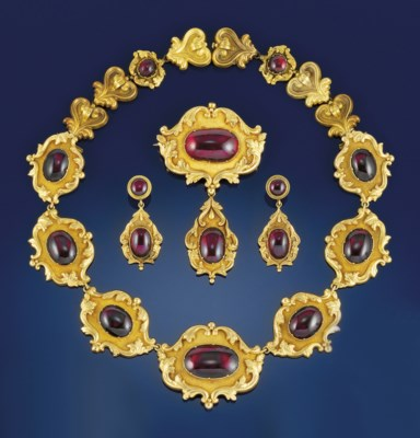 A Victorian gold and garnet pa