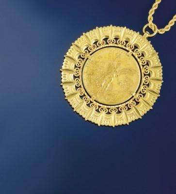A coin pendant necklace