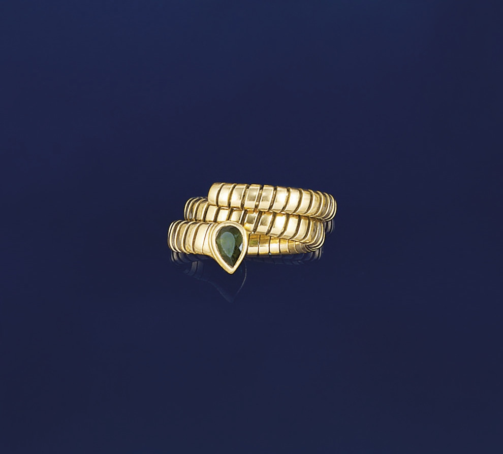 A tourmaline tubogas ring, by