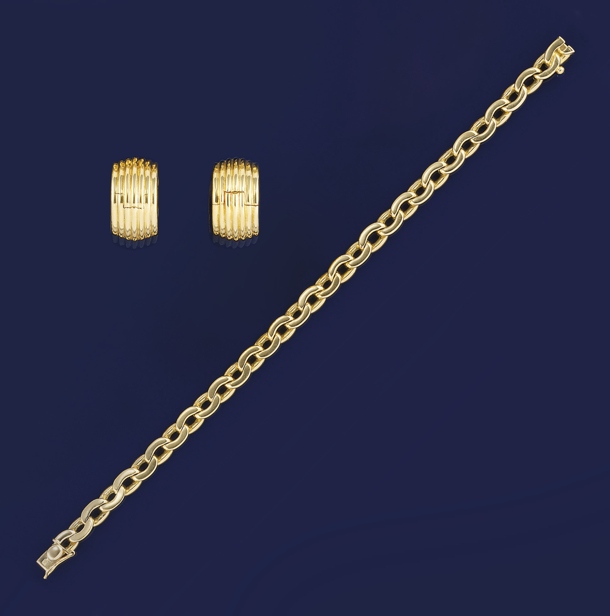 An 18ct. gold bracelet, by Car