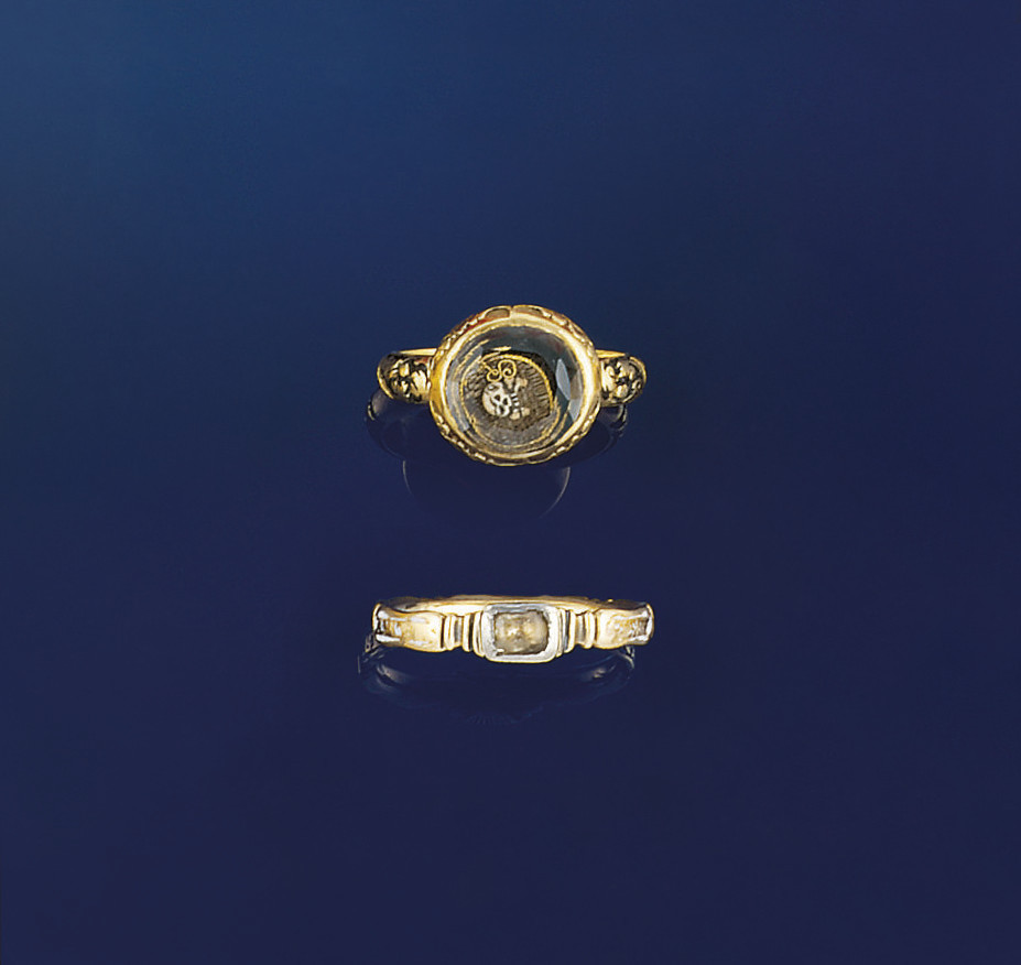 A 17TH CENTURY GOLD, ENAMEL AN