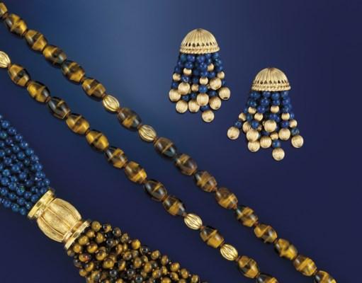 A group of lapis lazuli and ti