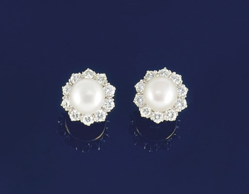 A pair of diamond and pearl cl