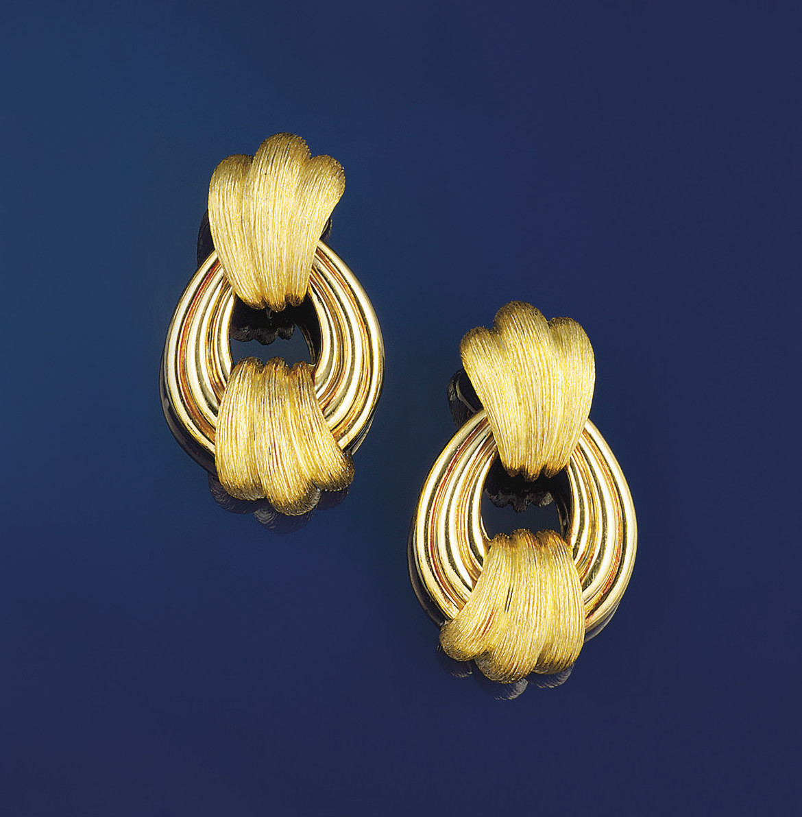 A pair of earpendants