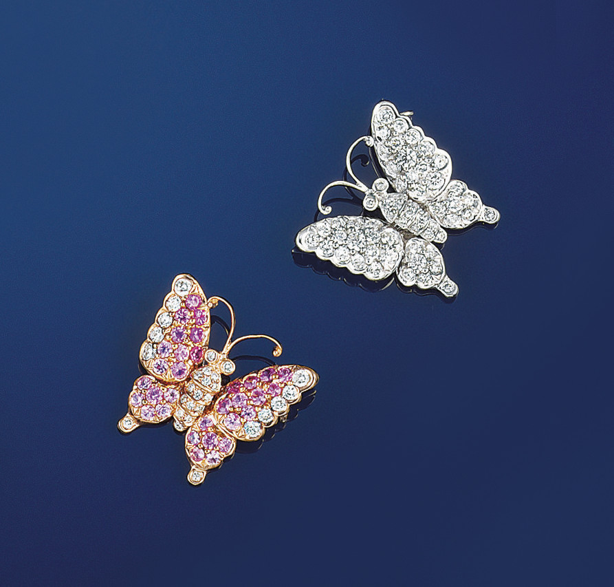 A pair of diamond and pink sap