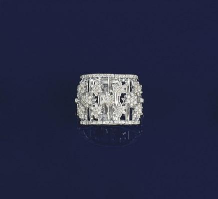 A diamond flexible band ring