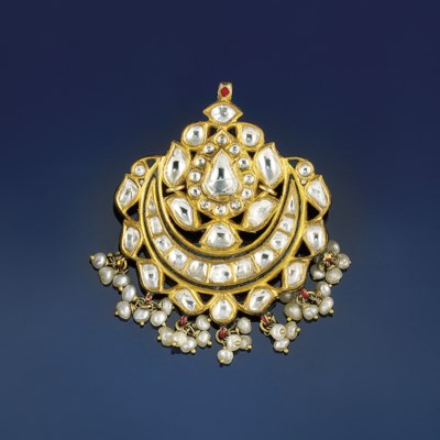 An Indian diamond and enamel p